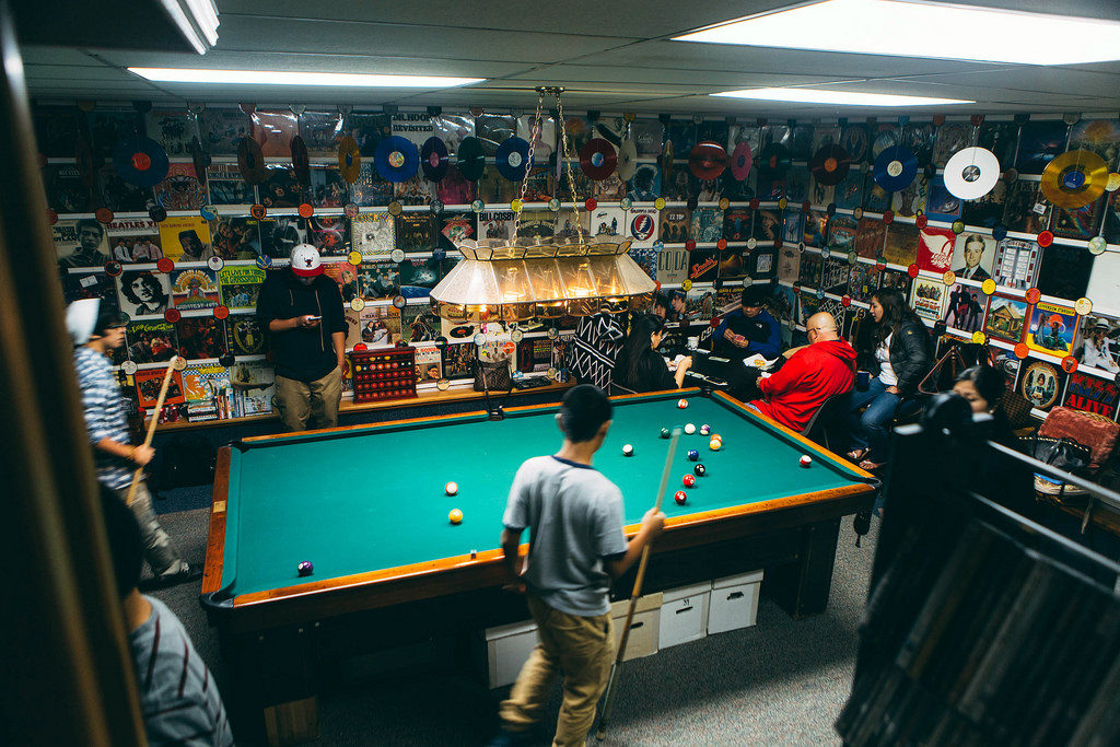 50 and ideas for a successful man cave decor